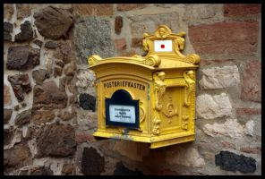 old letterbox by mietze-katz