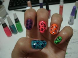 Colored leopard nail art by kirarachan