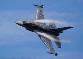 F16 Fighting Falcon by Albi748