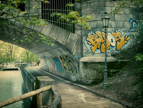 Tags along the river Isar. by iNaturel
