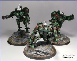 Tau Battlesuits - as yet unclassified model. by Elmo9141