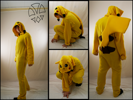Pikachu Cosplay by kleinespika