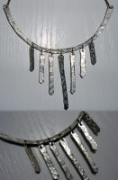 textured wire necklace by RaheHeul