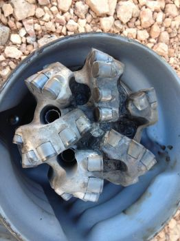 PDC Bit torn up and plugged by shale by Chocoppyica