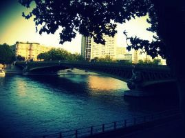 Paris bridge by Utopeless