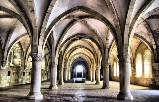 Dormitory of Alcobaca monastery in Portugal by vmribeiro