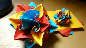 Origami Curler Ball by pecatrix