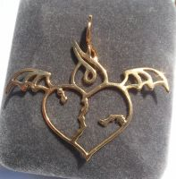 Gold plated Heart pendant received from Shapeways by Vidal-Design