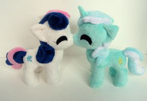 LyraBon kissies by FollyLolly