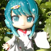 StrawberrySnowMiku-chan Nendoroid Photo by ng9