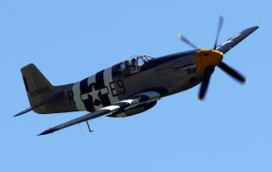 North American P-51B Flyby 2 by shelbs2