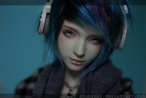 Blue-haired boy by ShunYuki