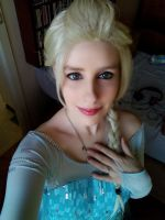 Elsa The Snow Queen Cosplay by sakykeuh