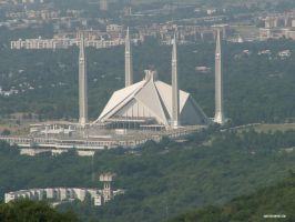 The Faisal Mosque by abart