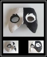 Simple White And Black Mask by TheFlyingHeart
