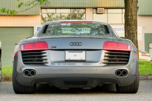 R8 V8 by SeanTheCarSpotter