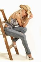 Lariyah: Cowgirl by tom2001