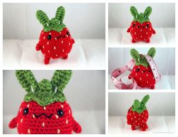 Strawbunny - Amigurumi Plush by pocket-sushi