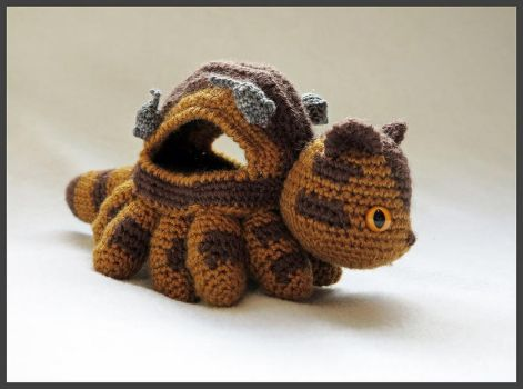 Catbus Amigurumi - Side View by kamidake