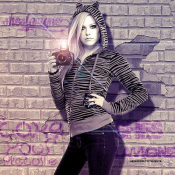 Avril Lavigne by allidoisthinkofyou