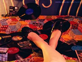 Listening your music by cande-knd