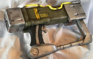 Fallout Laser Pistol Rear view by aBlindSquirrel