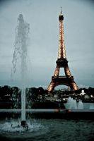 The tower and the fountain by hellslord