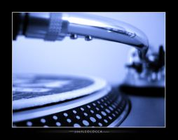 Turntable by subaqua