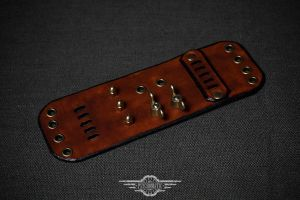 Steampunk leather bracelet by Tvirinum