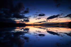 When the sky reflected in the lake by LinsenSchuss