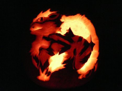 Arcanine Pumpkin by Visoris