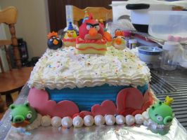 Angry Birds Birthday Cake - the front by Leara