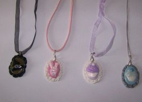 Look at all the cameo's by PookieTookieJewelry