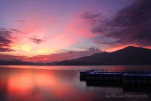Sunset at Tasik Kenyir by aremerose