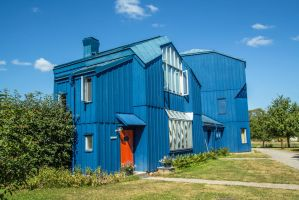 Blue House by attomanen