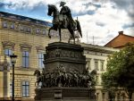 Equestrian statue by pingallery