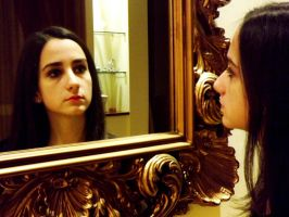 Mirror by RomiaNyan