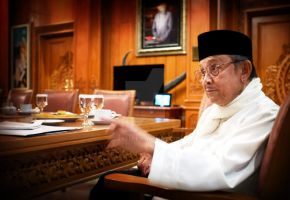 My friend BJ Habibie by djati