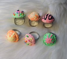 Ice cream scoop rings by OphanimGothique