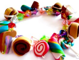 Stretchy Sweet Charm Bracelet by geurge