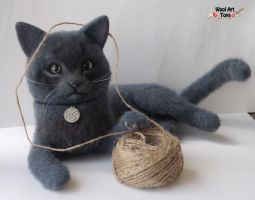 Needle Felted Gray Cat by WoolArtToys