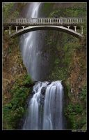 multnomah falls by stranj