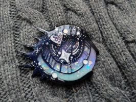 Magical eye brooch by CzBaterka