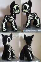 Skeleton plush (daylight) by TwitchyGears