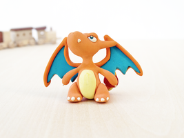 Charizard!! by lyrese