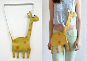 Fun Giraffe Bag by vannesdesigns