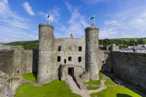 Harlech Castle - Gatehouse from west wall by LordMajestros