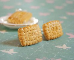 Petit Beurre Cookies Earrings by PetitPlat