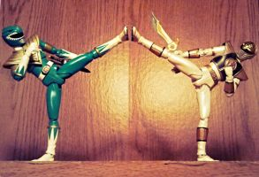 ULTIMATEfiguarts - Green VS White 1 by ULTIMATEbudokai3