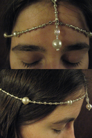 Pearl Headpiece by sampdesigns